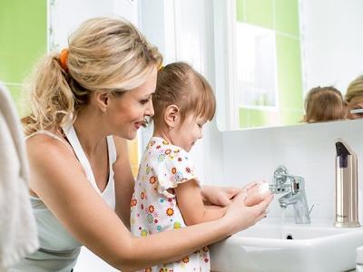 Dạy bé tự giác học tập và chăm sóc bản thân